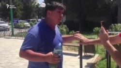 В Шымкенте активист угрожает самосожжением