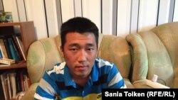 Еркин Таннур, приехавший из Китая этнический казах, студент Атырауского университета нефти и газа. Атырау, 13 февраля 2017 года.