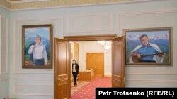 Портреты Нурсултана Назарбаева в музее первого президента Казахстана. Нур-Султан, 17 ноября 2020 года.