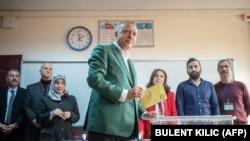 Președintele turc Recep Tayyip Erdogan, la secția de votare. 31 martie 2019