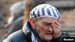 Supraviețuitor al lagărului de extermina nazist, la ceremoniile marcând 75 de ani de la eliberarea lagărului Auschwitz-Birkenau, Polonia, 27 ianuarie 2020.