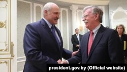 Аляксандар Лукашэнка і Джон Болтан 29 жніўня 2019