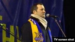 Vlad Filat în faţa miilor de manifestanţi pro-europeni la Kiev