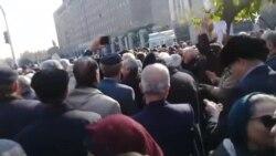 اعتراض بازنشستگان در تهران:«عزاعزاست امروز حقوق بازنشسته زیر عباست امروز»
