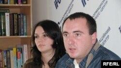 Батьки першокласника Емір-Алі - Лілія та Осман, 3 жовтня 2008р.