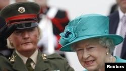 Королева Елизавета II прибыла в Дублин, 17 мая 2011 г
