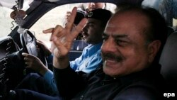 File photo of Hamid Gul after he is detained in Islamabad in November, 2007.