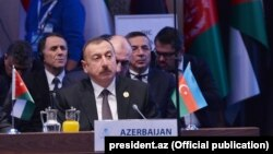 İlham Əliyev İstanbulda Zirvə toplantısında.