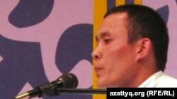 Айтыскер ақын Тоба Өтепбаев. Алматы, 2 мамыр 2011 жыл.