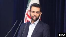 محمدجواد آذری جهرمی در توئیتر خود میگوید رسانهها از او در مورد درستی «حمله سایبری ادعایی به ایران» پرسیدهاند