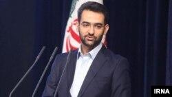 وزیر ارتباطات میگوید برای لو نرفتن سوالات کنکور، اینترنت در ۲۱۰ نقطه ایران قطع شده بود.