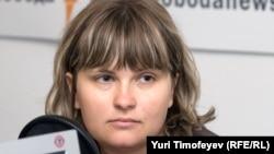 "Russia – Elena Milashina, observer of ""Novaya gazeta"" newspaper, Moscow studio, 11Sep2008"