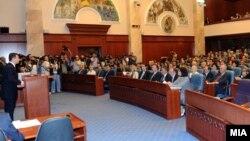 Архивска фотографија: Премиерот Никола Груевски го образложува експозето за нова влада пред Собранието на 27 јули 2011 година.