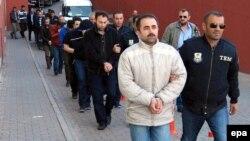 Թուրքիայում ենթադրյալ գյուլենականների են ձերբակալում, Կայսերի, ապրիլ, 2017թ․