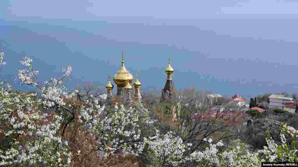 Купола храма святого Архистратига Михаила
