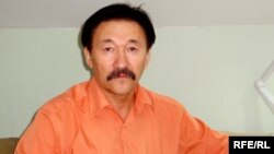 Главный редактор газеты «Алтын гасыр» Жумабай Доспанов.
