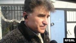 Юрий Аманатиди говорит о том, что его семью лишают жилья на незаконных основаниях. Алматы, 15 февраля 2010 года.