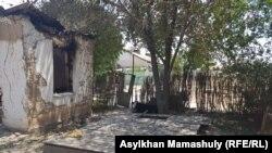 Әскери қоймадағы жарылыстан бүлінген тұрғын үйлер. Түркістан облысы, Арыс қаласы, 28 маусым 2019 жыл.