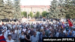 Armenia -- The Armenian Revolutionary Federation holds a rally in Gyumri, 03Sep2011.