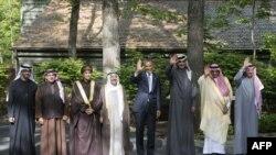 باراک اوباما در کنار سران کشورهای عربی حاضر در نشست کمپ دیوید