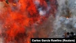 Венесуэлада билік күштері мен наразылар арасындағы қақтығыстардың бірі. Каракас, 30 шілде 2017 жыл.