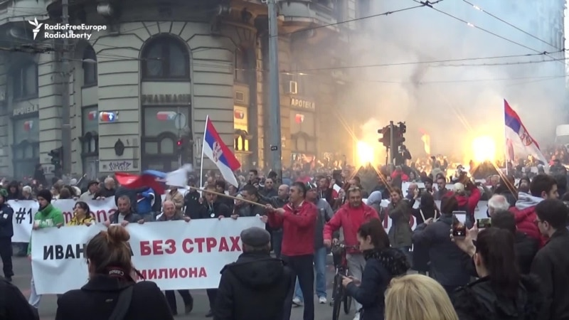 Thousands In Belgrade Protest Against Vucic