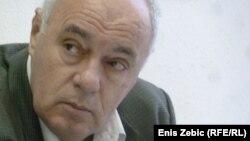 Pokazalo se da jedino što je gore od vlasti u obje zemlje je njezina opozicija: Žarko Puhovski