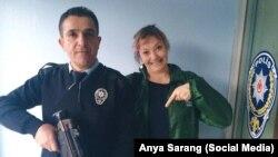 """Россиянка и турецкий полицейский: """"Он даже согласился сфотографироваться со мной на прощание"""""""