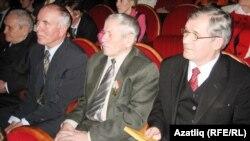 Язучылар Ринат Батталов (у), Ибраһим Биектаулы, Гыймран Сафин, журналист Закуан нуретдин