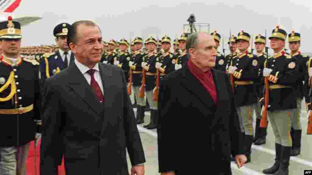 Vizită a președintelui francez Francois Mitterand - 1991