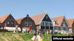 """Для большинства голландцев популярность деревни Волендам — такая же загадка, как и для иностранцев. [Фото — <a href=""""http://www.vvv-volendam.nl"""" target=_blank>Volendam</a>]"""