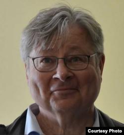 Німецький політолог Ганс-Геннінг Шредер