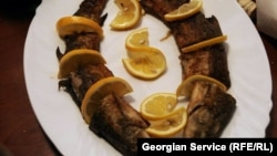Рыбные блюда по статусу уступали мясным. Икру и осетрину в рыбный четверг мало кто мог увидеть на своем столе