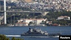 Продолжение политики: корабли в Босфоре