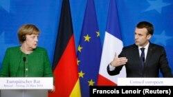 Ангела Меркел һәм Эммануэл Макрон
