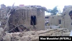 د ۲۰۱۱م کال په راغلې زلزله کې د بلوچستان په اوران سیمه کې وران شوي کورونه