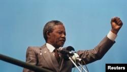 Нэльсан Мандэла, 1990 год