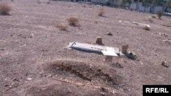گورستان خاوران در شرق تهران به عنوان نمادی از اعدامشدگان دهه ۶۰ شناخته میشود و تعدادی از بهائیان هم در آنجا دفن شدهاند.