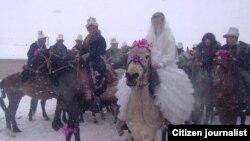 Свадьба в Ошской области Кыргызстана. Февраль 2015 года. Иллюстративное фото.