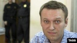 Оппозиционер Алексей Навальный в зале суда