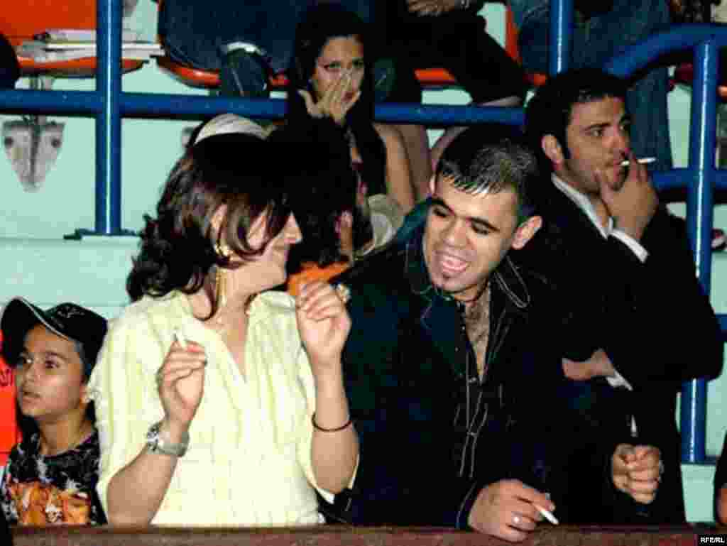 UAE, Reza Sadeghi Concert in Dubai, reza Sadeghi is an Iranian pop singer based in Iran, 03/27/2007