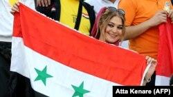 Suriyalı azarkeş qadın Tehranın Azadi stadionunda
