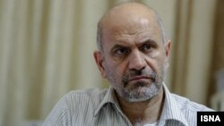 فرشاد مومنی، اقتصاددان و استاد اقتصاد دانشگاه علامه طباطبایی