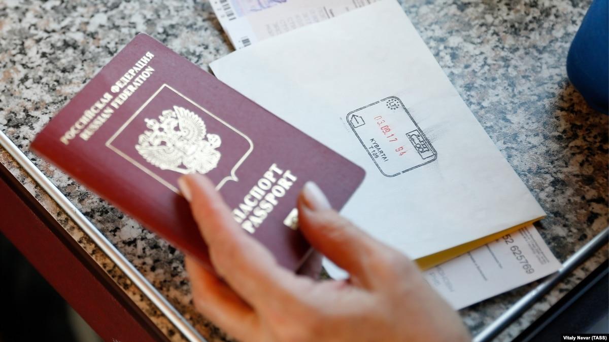Рекордные 20% россиян заявили о желании уехать из страны