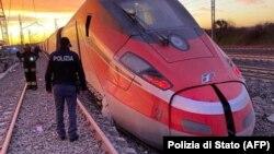 Двоє людей загинули в аварії поїзда