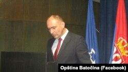 Iako su organizatori protesta tvrde da je slučaj sa navodnim incidentom insceniran i režiran u kabinetu predsednika Opštine Zdravka Mladenovića (na fotografiji), on za RSE kaže da sa tim nema nikakve veze