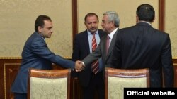 Armenia - President Serzh Sarkisian meets with the leaders of the Dashnaktsutyun party to discuss constitutional reform, Yerevan, 26Aug2015.