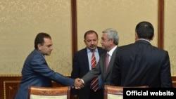 """Serzh Sargsian """"Dashnaktsutyun"""" liderlərilə görüşür, arxiv fotosu"""