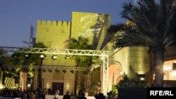 ۱۱۵ فيلم از ۴۷ کشور مختلف در جشنواره فيلم دوبی شرکت کرده اند.