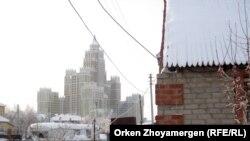 Астанадағы үйлердің бірі. Көрнекі сурет
